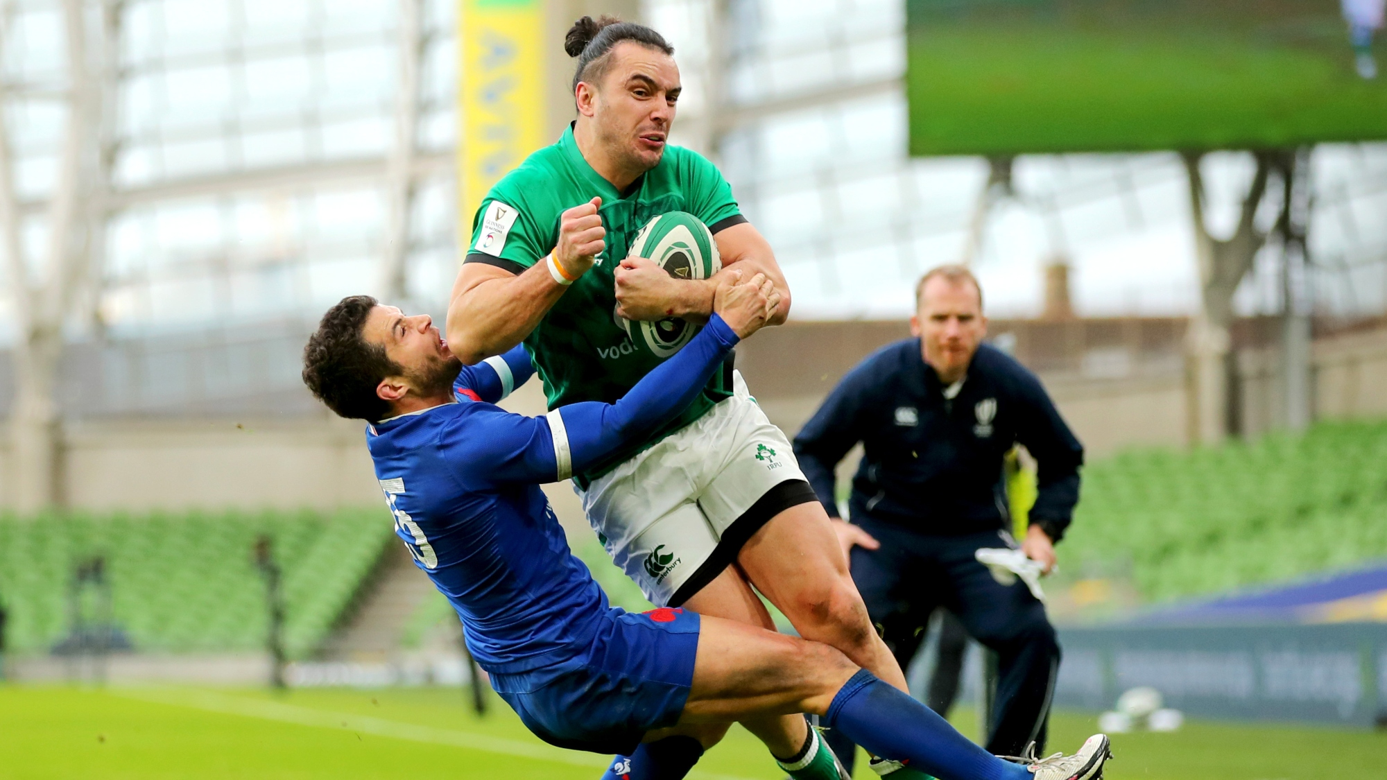 James Lowe came close to scoring as Ireland face France at the Aviva Stadium in Round 2 of the Guinness Six Nations